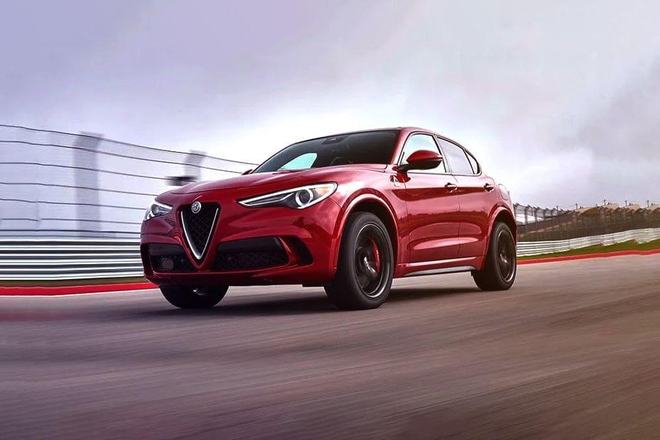 Alfa Romeo Stelvio Quadrifoglio Images