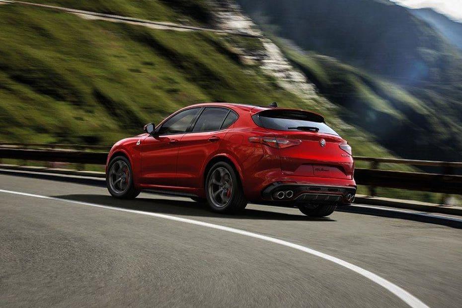 Alfa Romeo Stelvio Quadrifoglio Colors
