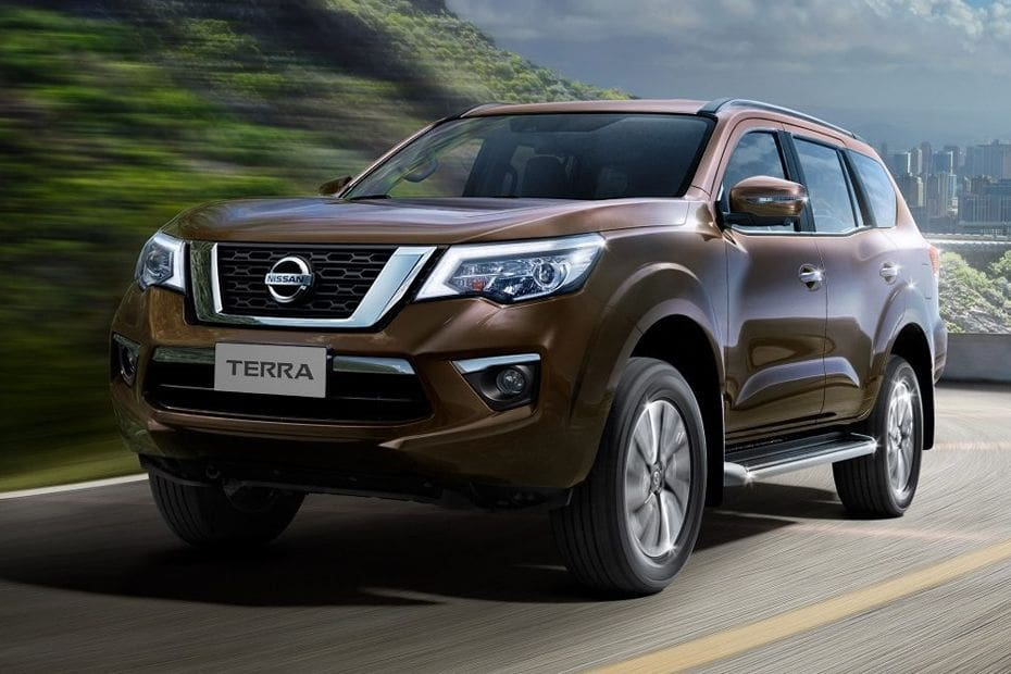 Nissan Terra Front Side View