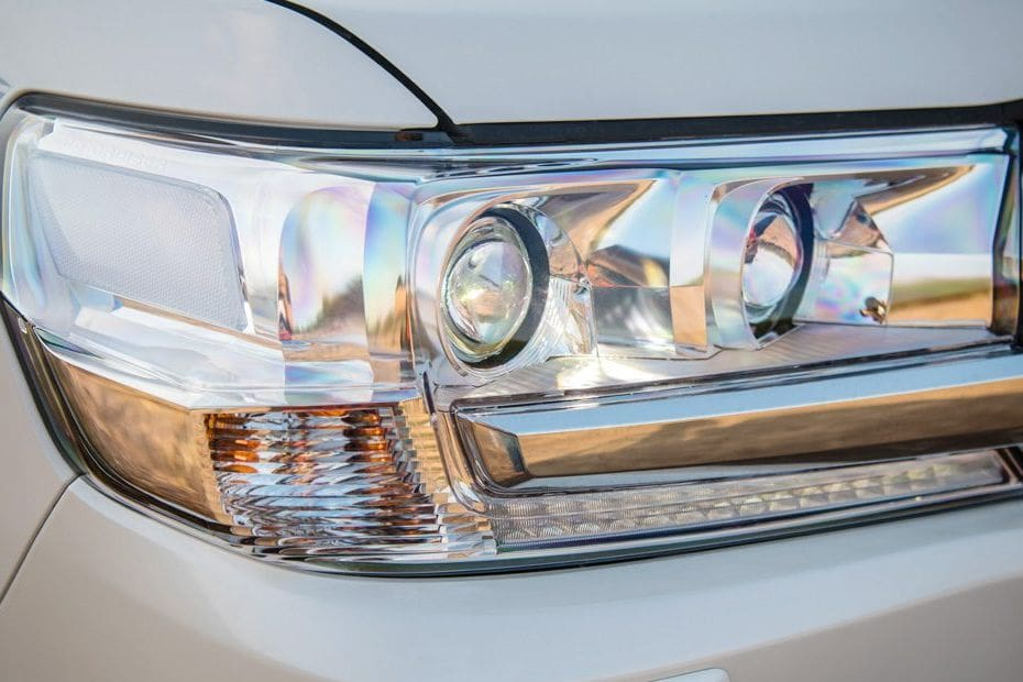 Land Cruiser 200 Headlight