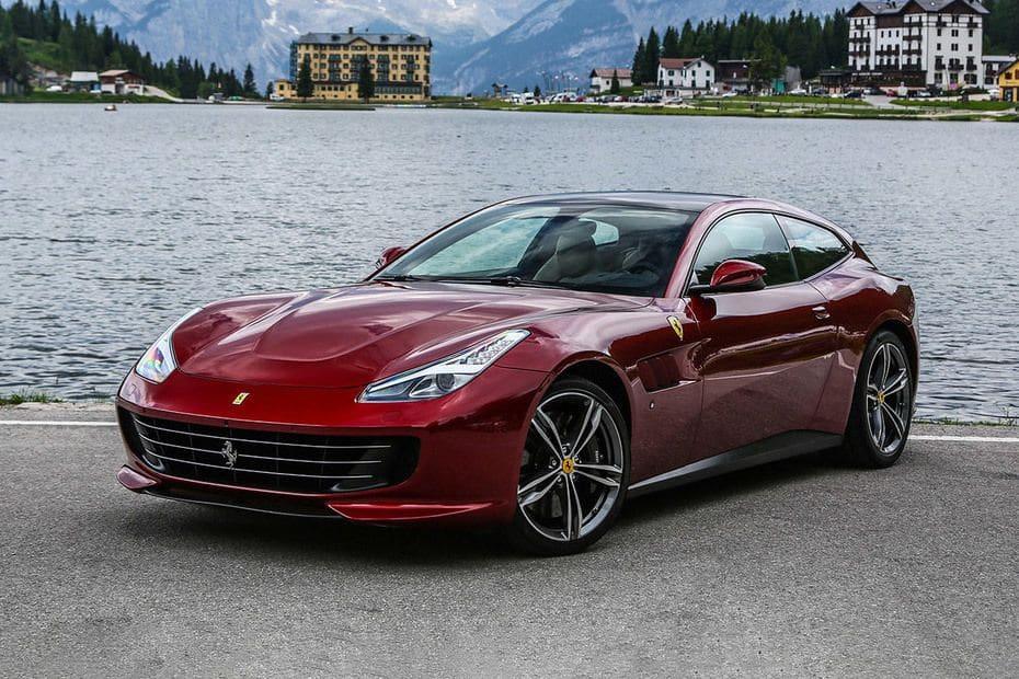 Ferrari GTC4Lusso Images