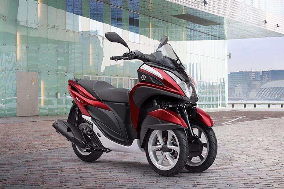 Yamaha Tricity Slant Rear View Full Image