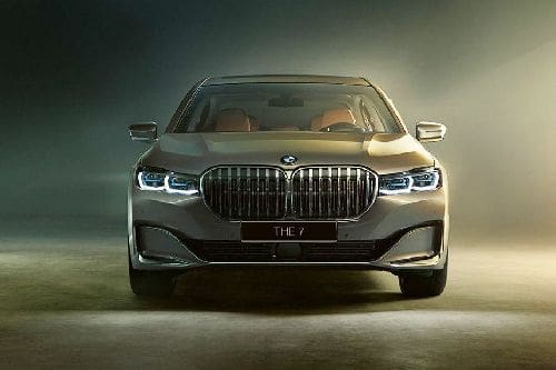 Full Front View of 7 Series Sedan