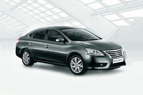 Nissan Sylphy Front Cross Side View