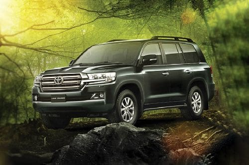 Toyota Land Cruiser 200 Front Side View