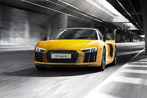R8 Spyder Front angle low view