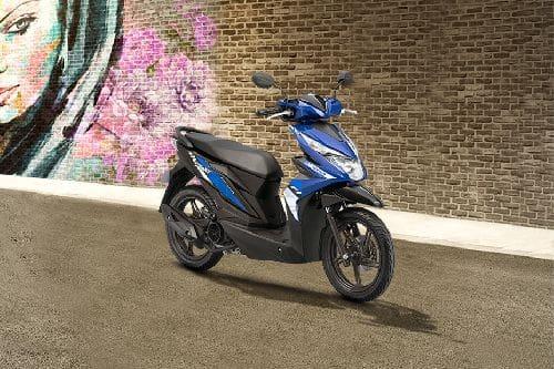Honda BeAT Slant Rear View Full Image