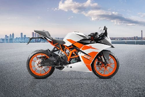 KTM RC 200 Right Side Viewfull Image
