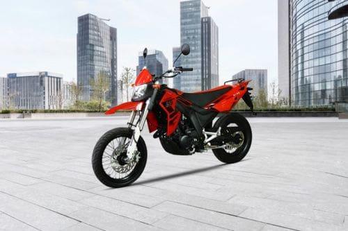 MotorStar Moto R155 Slant Front View Full Image