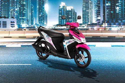 Yamaha Mio i 125 Slant Rear View Full Image