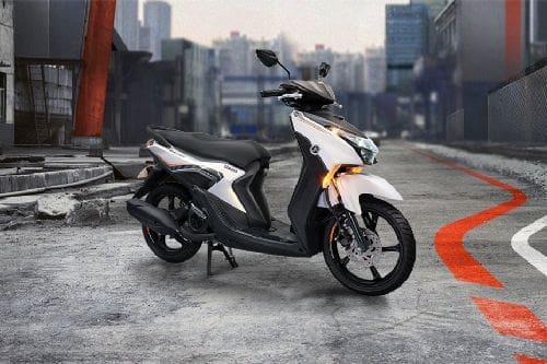 Yamaha Mio Gear Slant Rear View Full Image