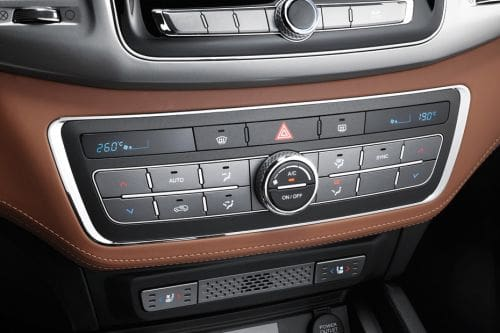 Front AC Controls of Ssangyong Musso